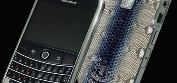 Blackberry_Royal_Blue_Edition-1