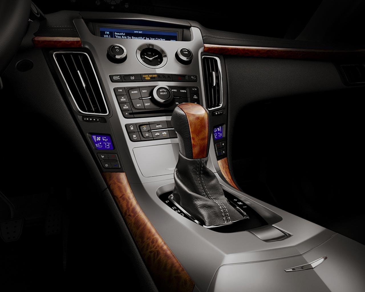 2010-Cadillac-CTS-Sport-Wagon-4
