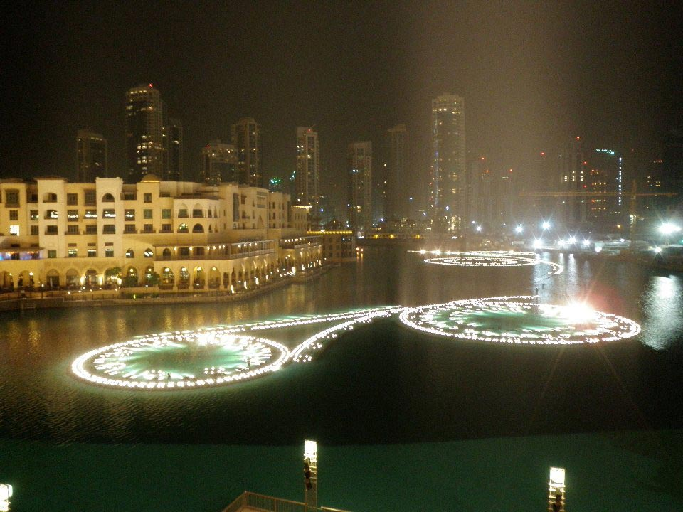 Dubai-Fountain-1