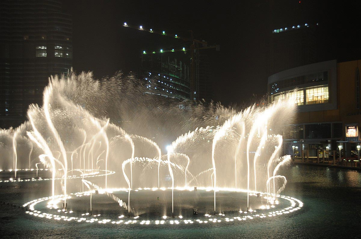 Dubai-Fountain-2