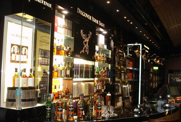 World of Whiskies Store – Heaven for Whiskey Lover
