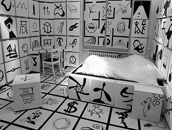 hotel-room-with-crazy-symbols