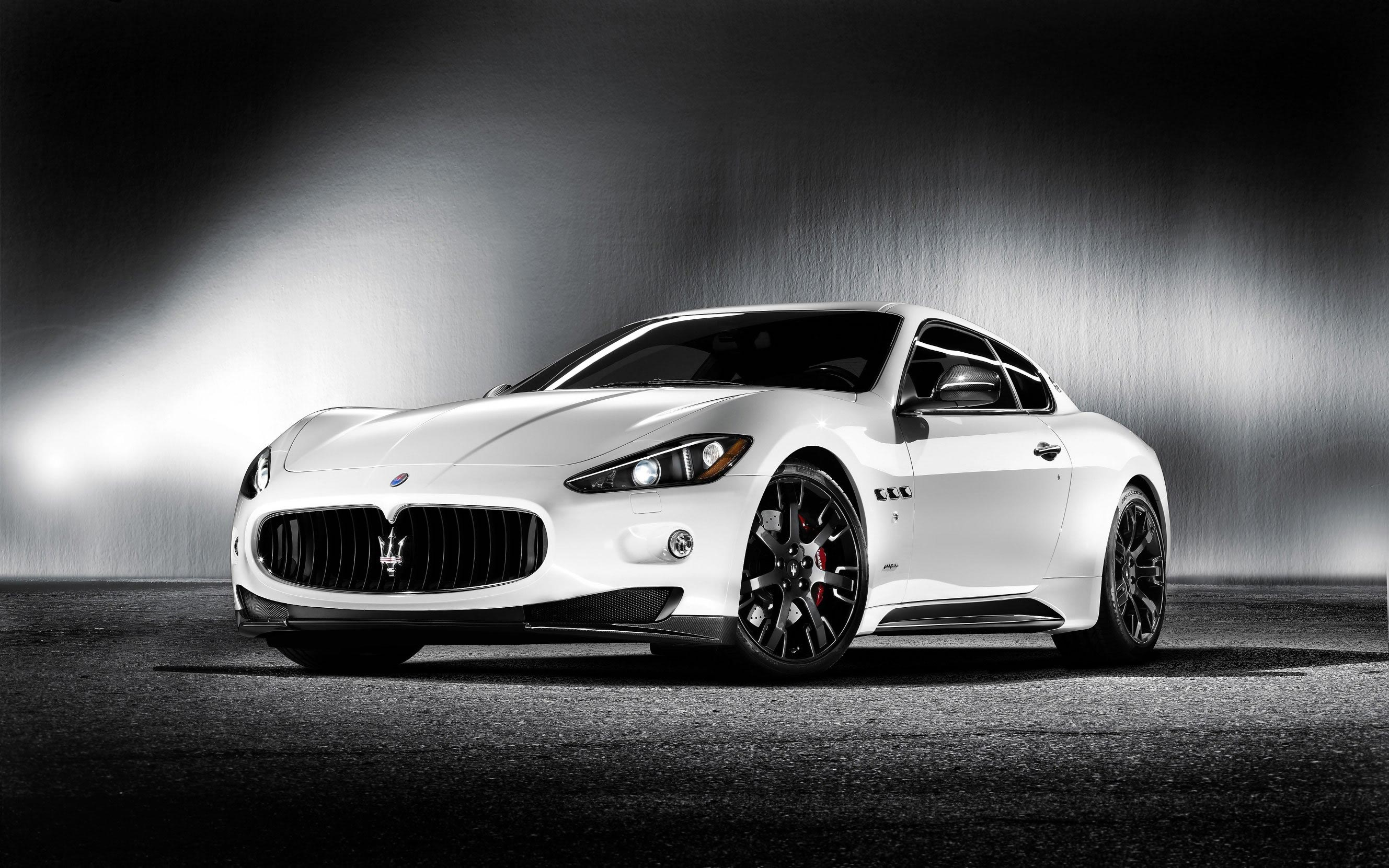 maserati granturismo s mc sport line car revealed at yas. Black Bedroom Furniture Sets. Home Design Ideas