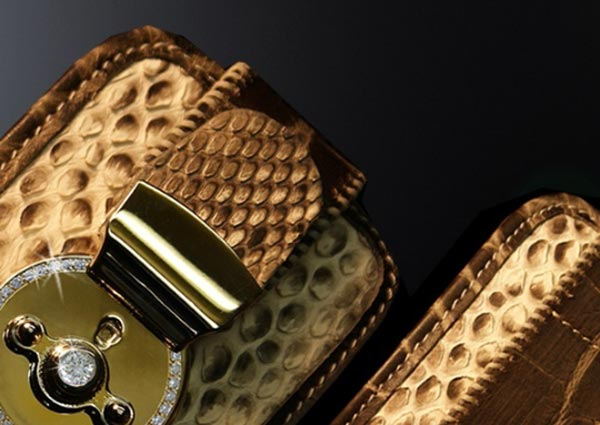 iPhone Tamara Runge Edition Wallet – A Diamond Studded Wallet for Your Luxury iPhone