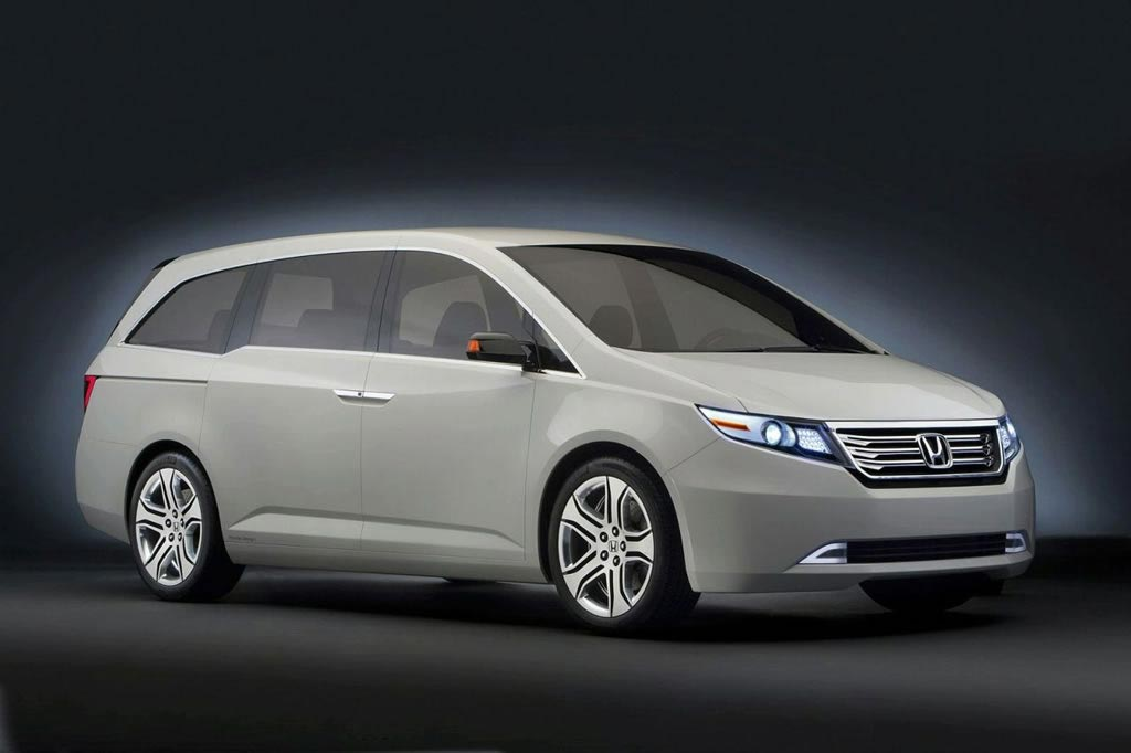 Honda Odyssey – the First Car Coated out in 70,000 Carats of Kyoto Opal