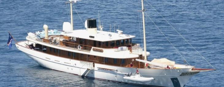 Vajoliroja---Johnny-Depp-Yacht-1