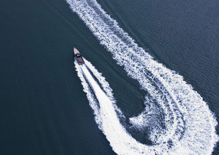 C-12 Carbon Fiber Jet Boat – Designed to Guarantee Adrenaline Rush