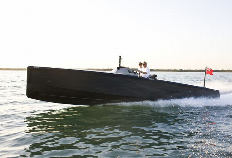 C-12 Carbon Fiber Jet Boat - Designed to Guarantee Adrenaline Rush - eXtravaganzi