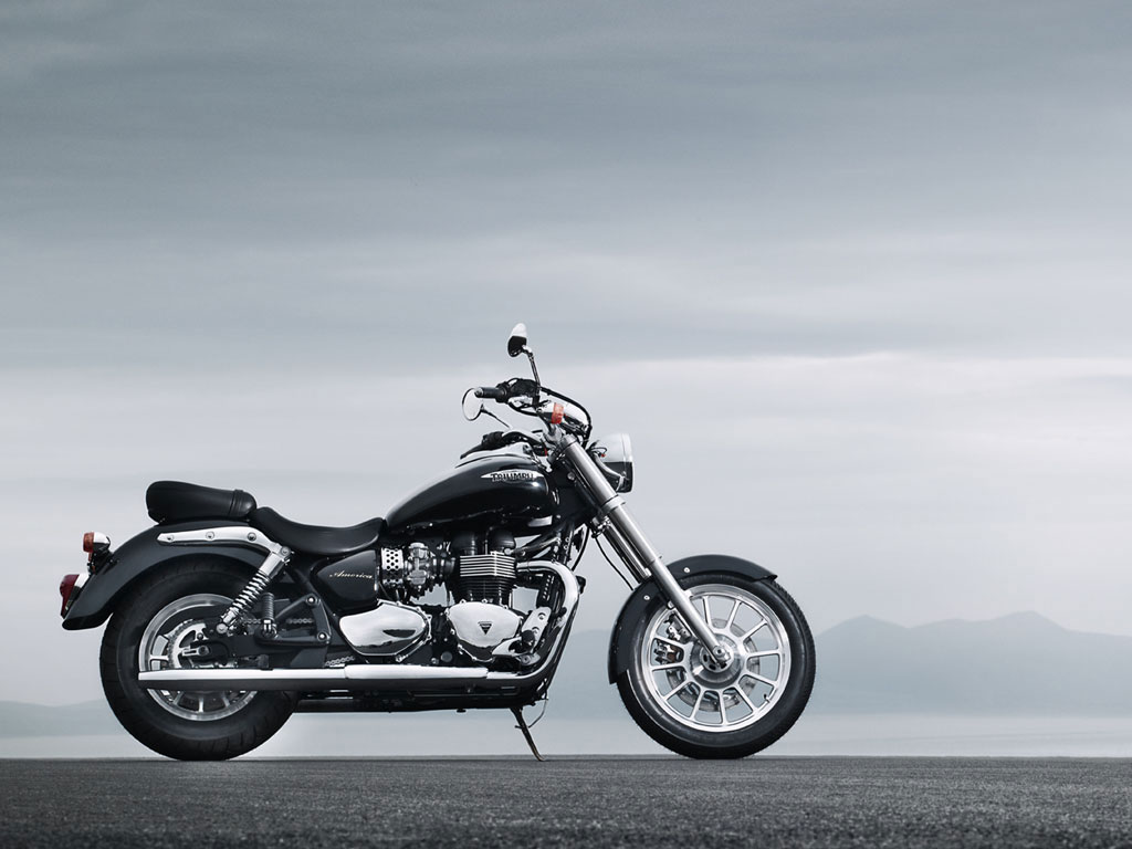 2010 Triumph America Motorcycle Delivers an Authentic Cruising Experience