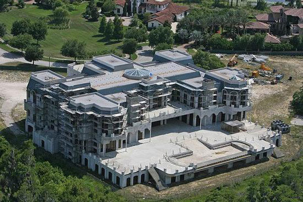 america 39 s biggest family home is up for sale extravaganzi