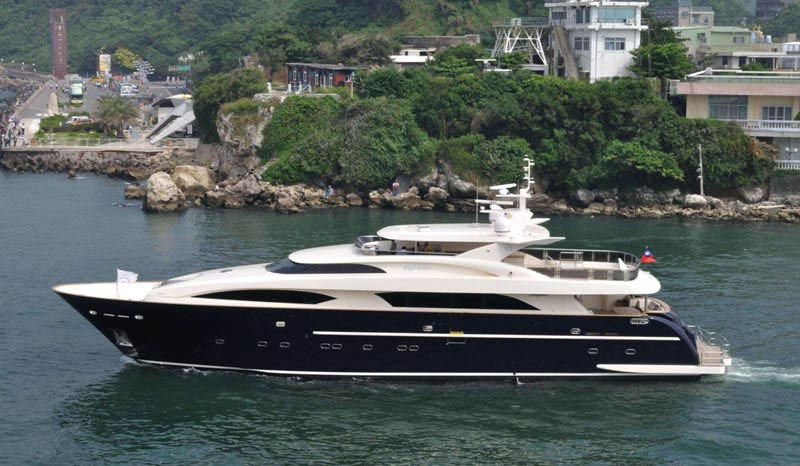 Espresso Megayacht Completely Custom-made to Suit Your Needs