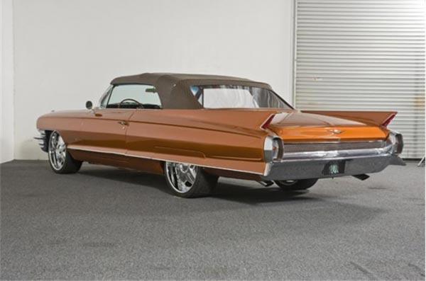 Customized Louis Vuitton 1962 Cadillac for Sale on JamesList - 600 x 397  29kb  jpg
