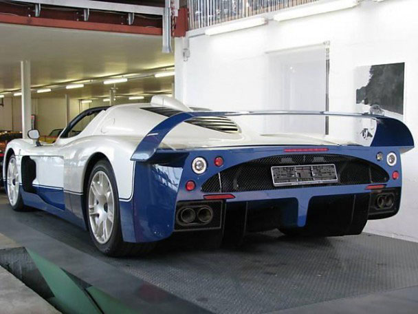 Maserati-MC12-Stradale-8