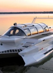 Submarine Powerboat Hybrid – Next Up in the World of James Bond