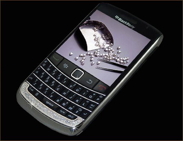 Diamond Blackberry Bold 2 by Stuart Hughes