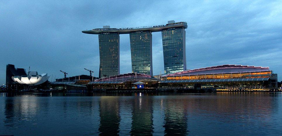 Marina Bay Sands Hotel Infinity Pool 55 Storeys Above