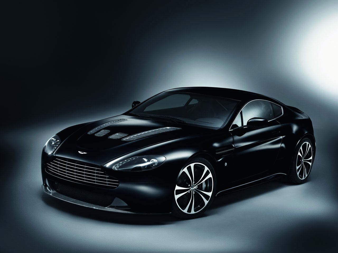 aston-martin-carbon-black-special-edition-3-lg