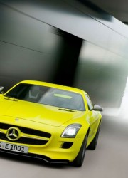 mercedes-benz-sls-amg-e-cell-prototype-front-3