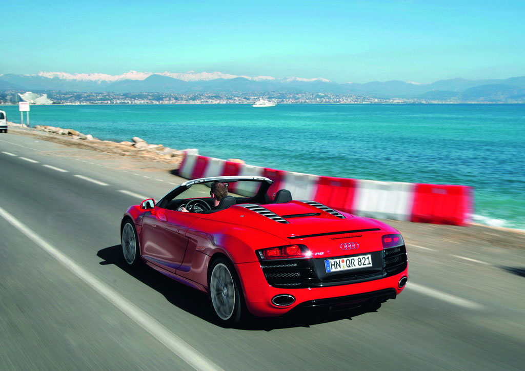 2011 Audi R8 5.2 Spyder Quattro V10 Let You Hear Song of the 525 Horsepower