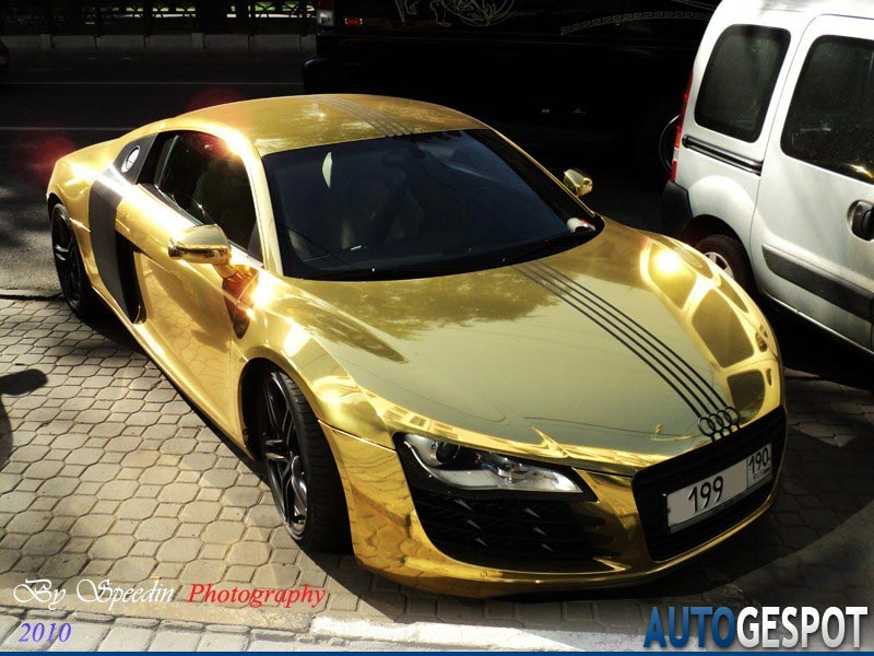audi r8 gold another victim of a bling loving owner extravaganzi. Black Bedroom Furniture Sets. Home Design Ideas
