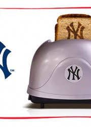 Pangea ProToast Team Toasters – Retro Style Toaster for the Truly Obsessed Sport Fan