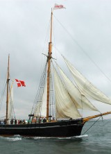 Chateau Smith Haut Lafitte Ships Vintage Wine with Classic Sailing Ship