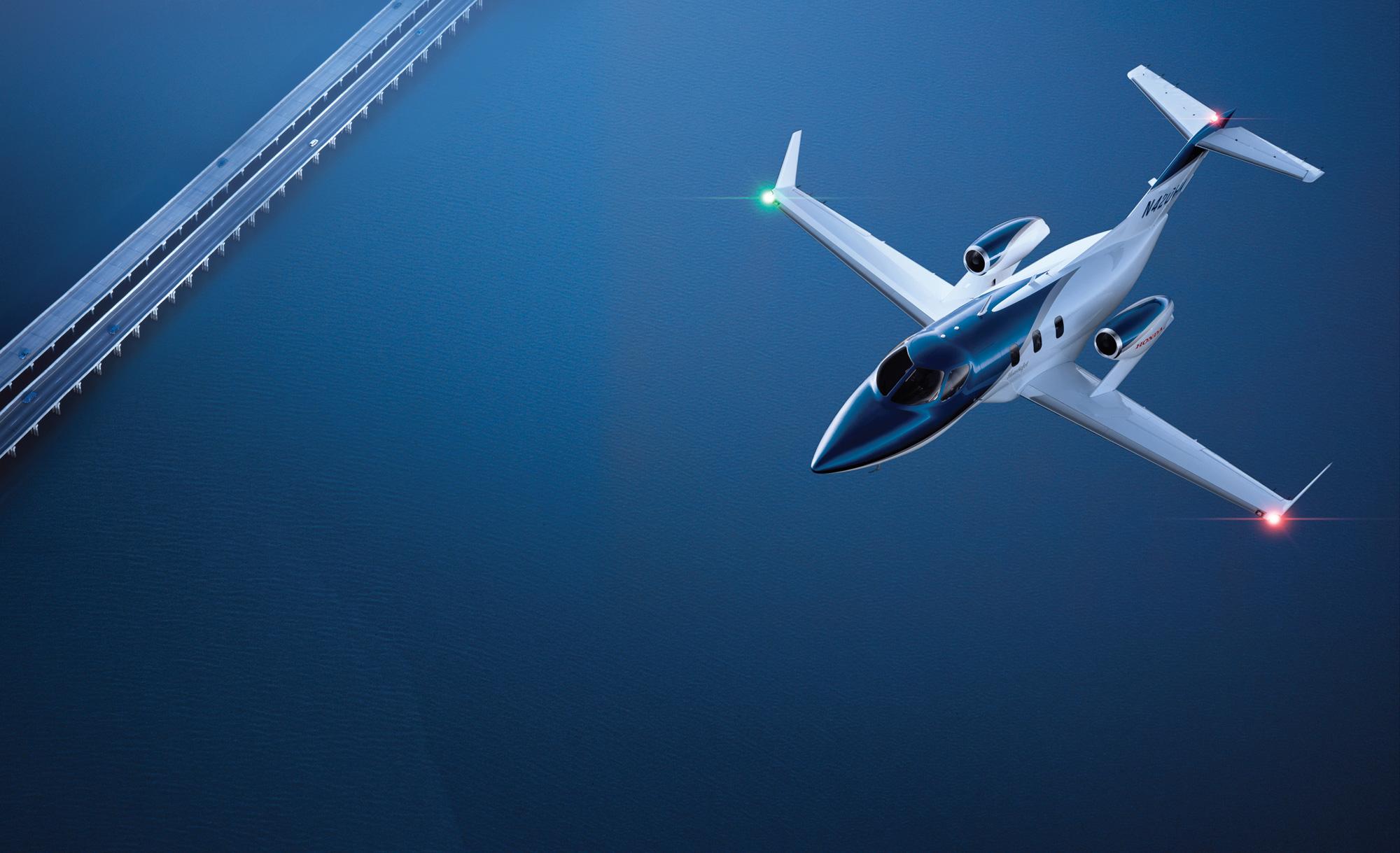 hondajet honda 39 s first light business jet moving closer