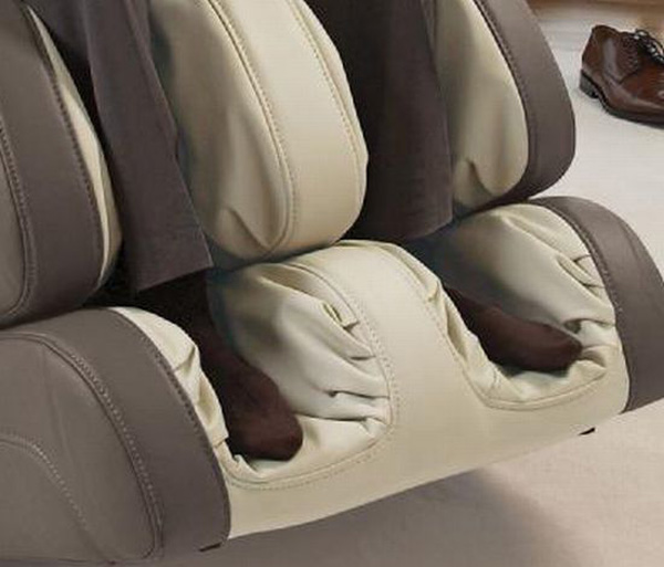 OSIM uAstro Zero-Gravity Massage Chair