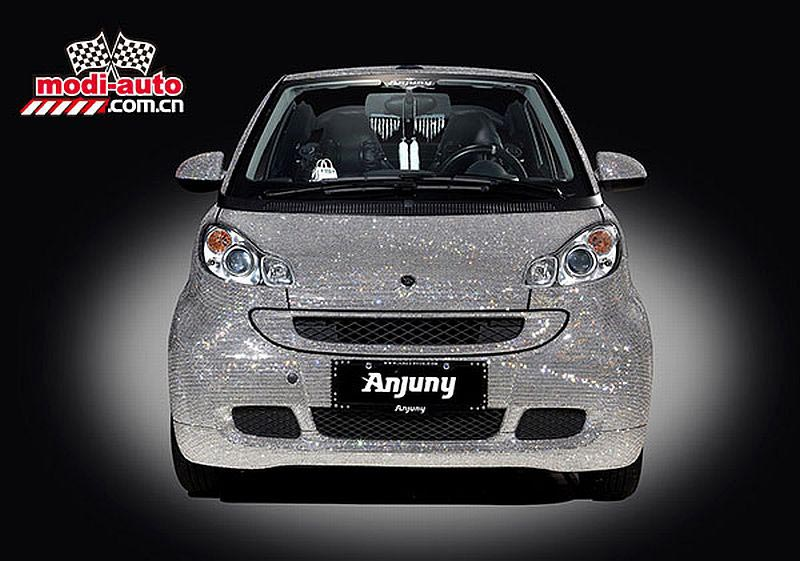 Anjuny's Swarovski crystal covered Smart convertibleAnjuny's Swarovski crystal covered Smart convertible
