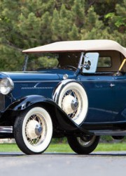 1932 Ford Model 18 Deluxe Roadster