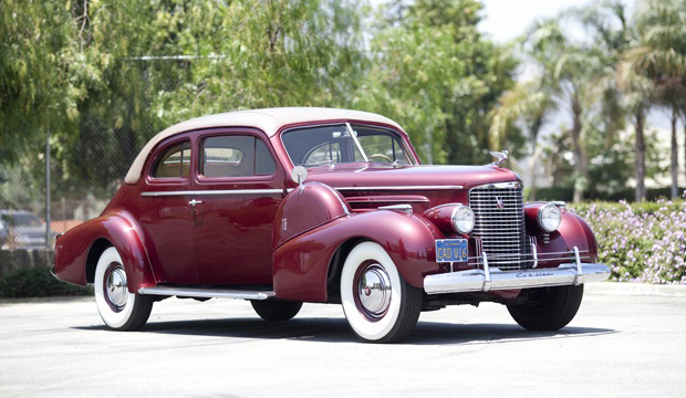 1940 Cadillac Series 90 V 16 Sport Coupe