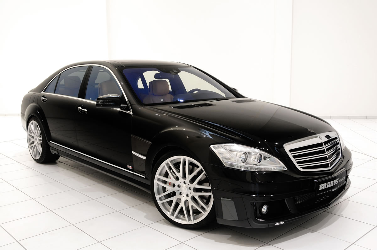 brabus mercedes s600 ibusiness sedan combines the latest apple components and a brabus engine. Black Bedroom Furniture Sets. Home Design Ideas