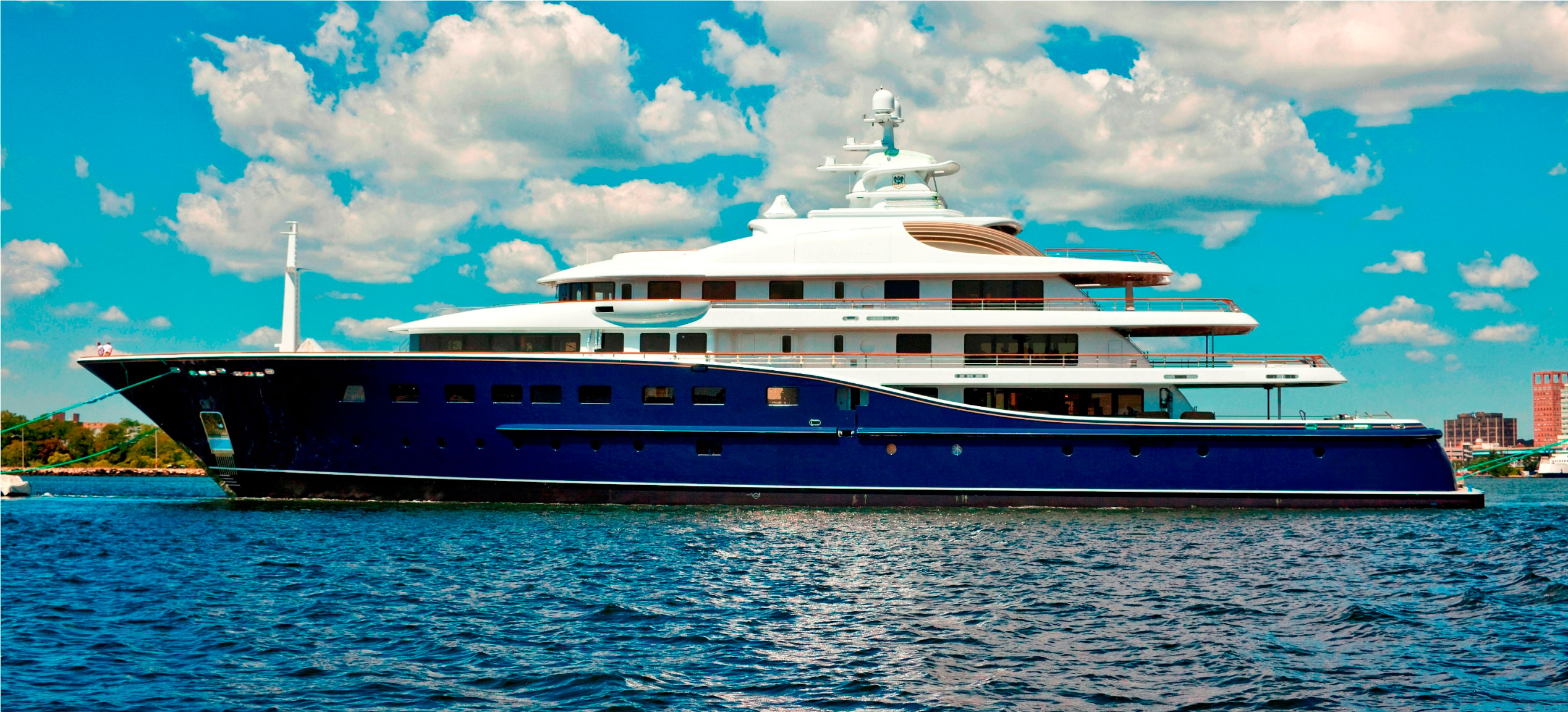 Derecktor Launches 85m Superyacht Cakewalk – Largest Motor Yacht Built in US
