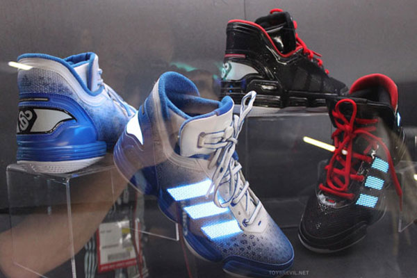Special Edition TRON Legacy Adidas Collection Unveiled at Comic Con