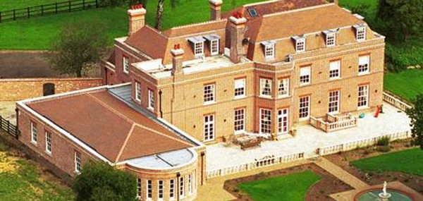 David-and-Victoria-Beckham's-Beckingham-Palace-1