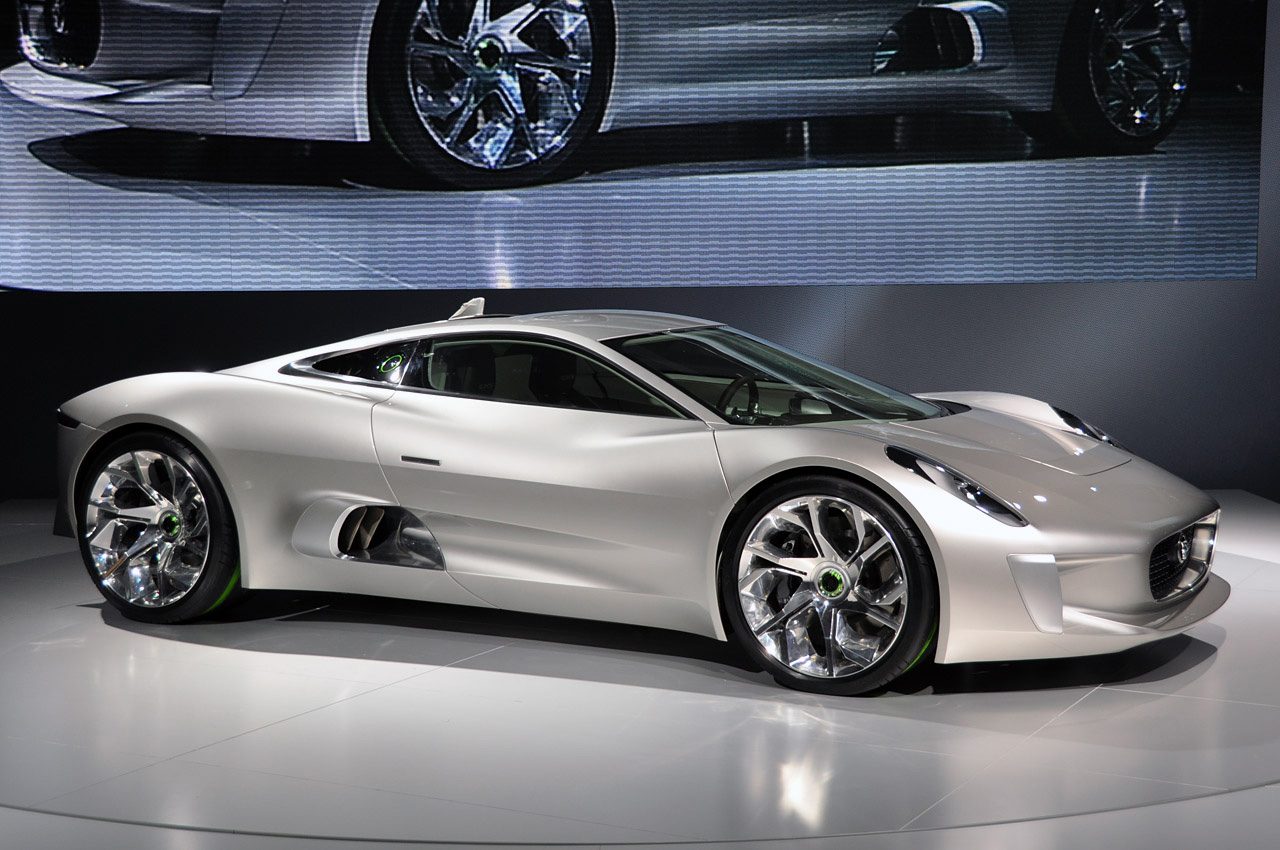 Jaguar-C-X75-at-Paris-Motor-Show-17