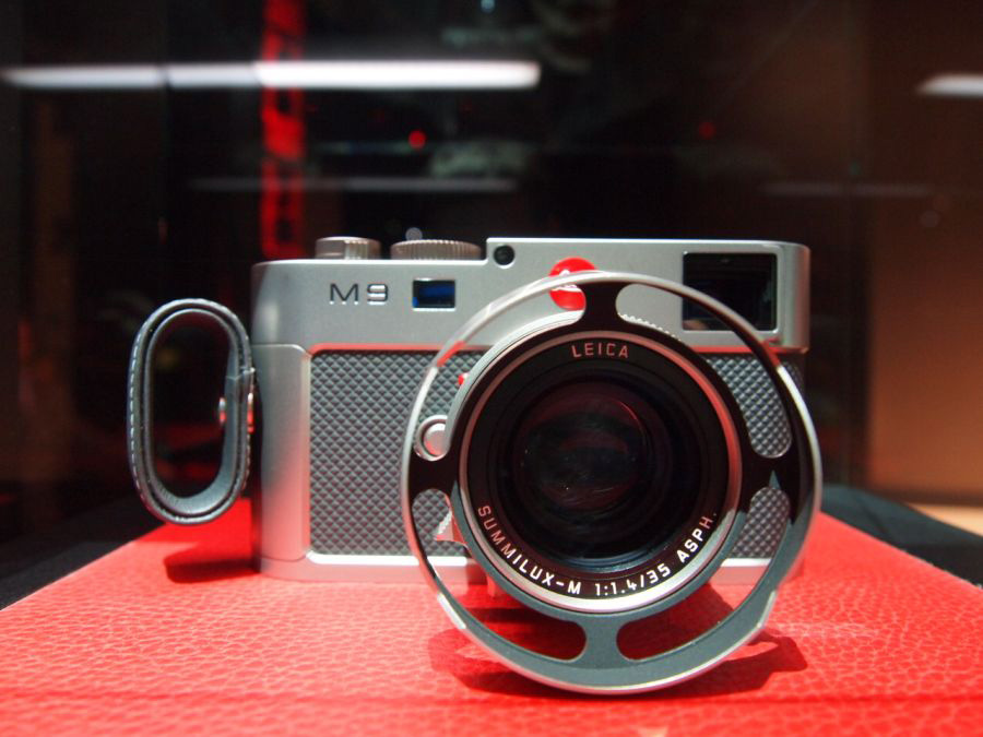 Limited-Edition-Leica-M9-Titanium-1