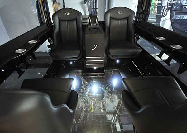 7-star-VIP-jewelled-cable-car-2