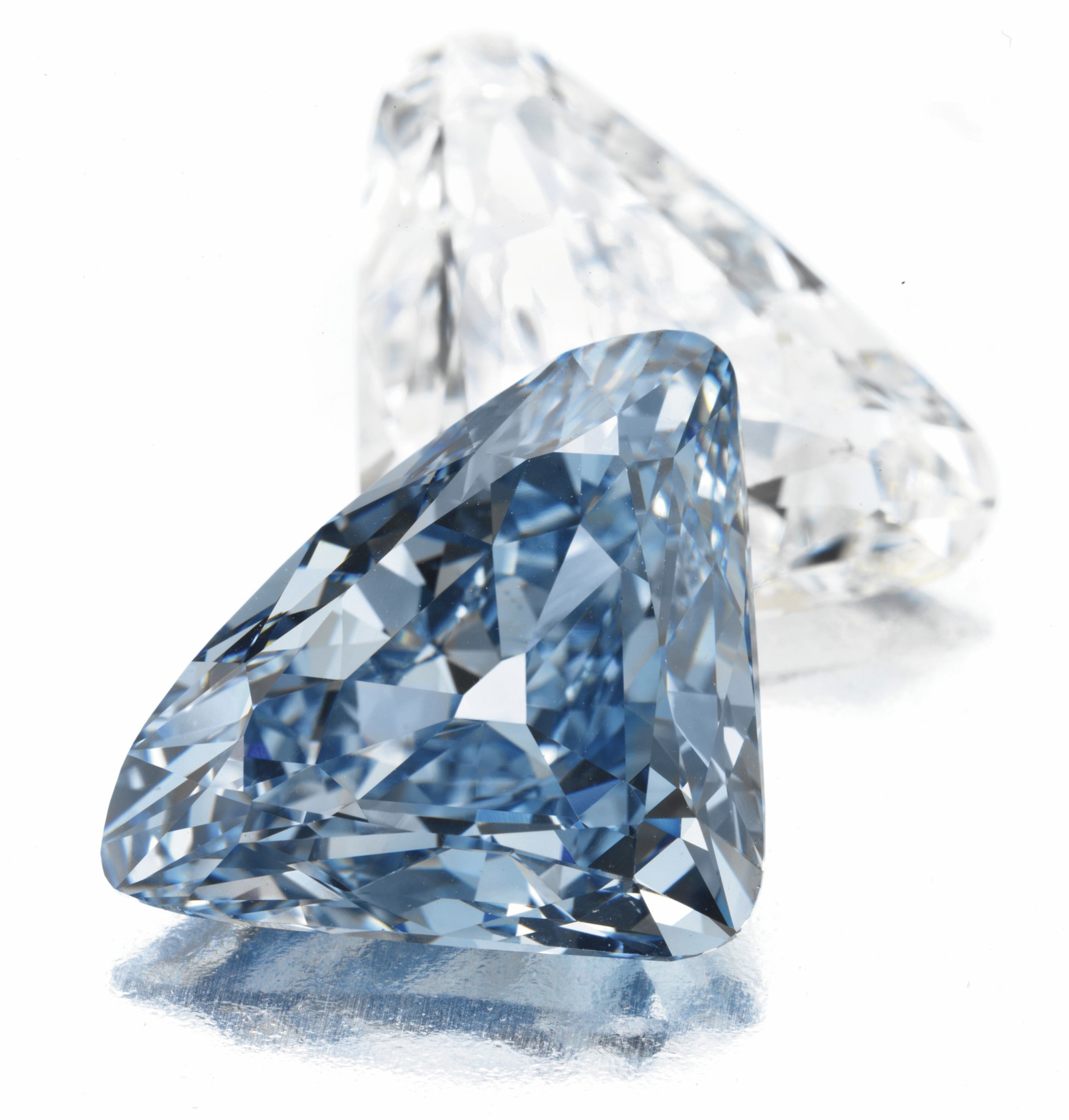 BVLGARI Blue Diamond, the largest triangular-shaped Fancy Vivid blue diamond