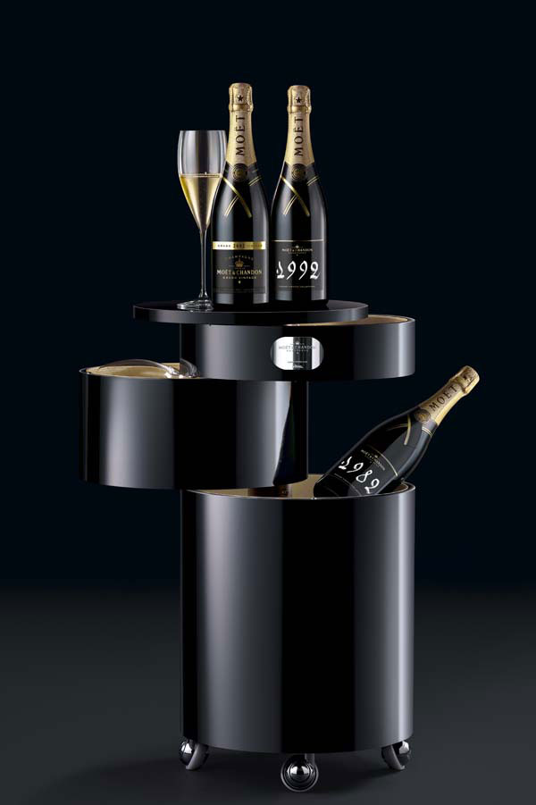 Luxury Mobile Bar – Moet & Chandon Bar Boy