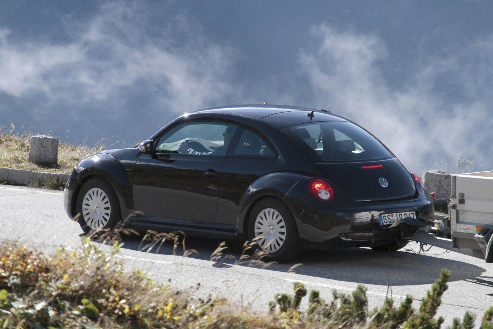Oprah Winfrey Gives Away 2012 Volkswagen Beetle to Audience