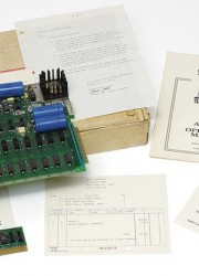 The First Apple-1 Computer Touted to Fetch $240,000 on Sale at Christies