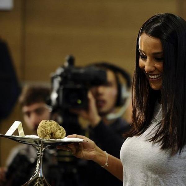 Italian Giant Truffle Sold for €105,000