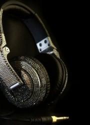 Swarowski Decorated Pioneer HDJ-2000 Headphones Keep all the Dancers' Eyes on You