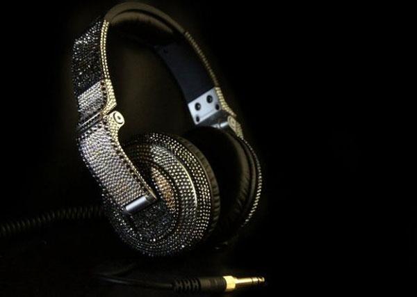Swarowski-studded-Pioneer-HDJ-2000-headphones-1
