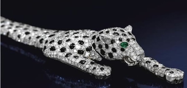 $7-Million-Onyx-and-Diamond-Panther-Bracelet-1