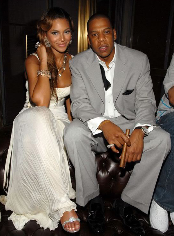 Beyonce Pays 1.3 Million to Buy Husband Jay-Z Bugatti Veyron Grand Sport