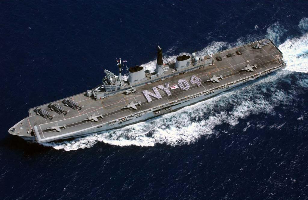 HMS_Invincible_2