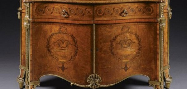 Harrington-Commode---Most-expensive-piece-of-English-furniture-1