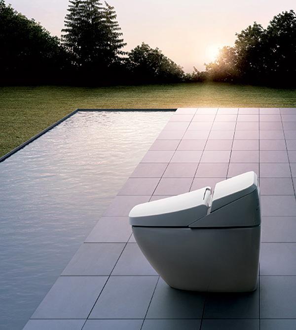 Inax-Regio-Smart-Toilets-1